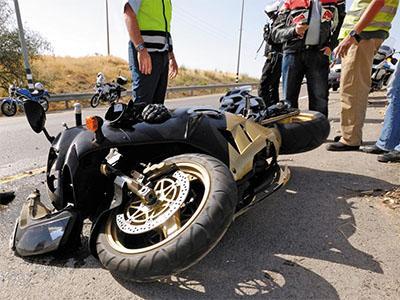 Consulta Gratuita en Español con Abogados de Accidentes de Moto en West Covina California